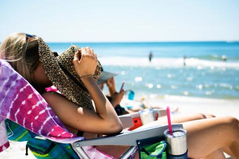 tanning-sun-beach