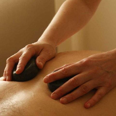 Hot Stone Massage gesund